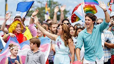 Premier z rodziną na Paradzie Równości? Czemu nie? A przynajmniej w Kanadzie w erze Justina Trudeau