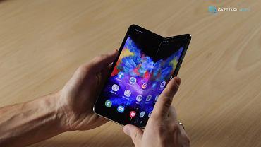 Samsung Galaxy Fold w naszych rękach. Czy składany ekran to przyszłość smartfonów? [TOPgadżet]