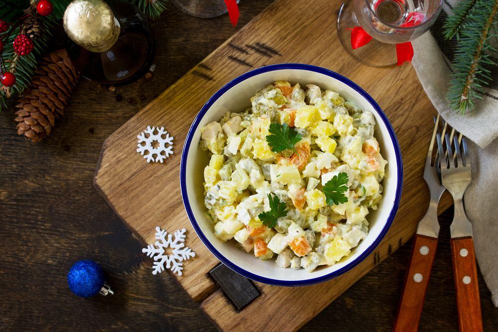 Sałatki świąteczne, wigilijne, na kolację w gronie najbliższych i na poczęstunek w pracy. Która jest najlepsza