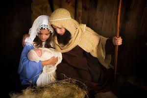Stroje na jasełka. Jak zrobić strój Marii, a jak strój świętego Józefa? A może kupić lub wypożyczyć?