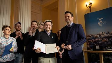 Prezydent Warszawy Rafał Trzaskowski podczas podpisania Warszawskiej Deklaracji LGBT+
