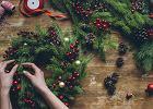 Stroik świąteczny na stół i inne dekoracje bożonarodzeniowe - zobacz, co przygotować na Wigilię