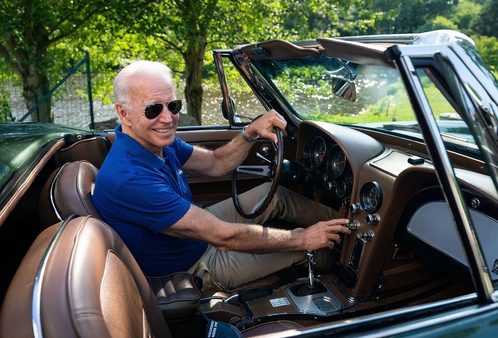 Joe Biden w swojej Corvette Stingray z 1967 r., którą dostał od ojca w prezencie ślubnym