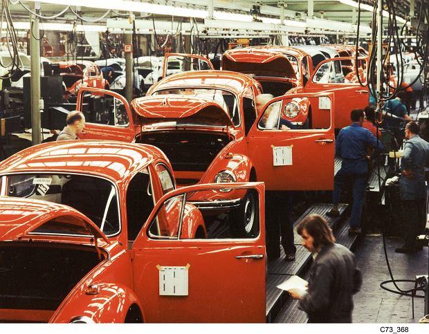 Volkswagen Garbus w fabryce