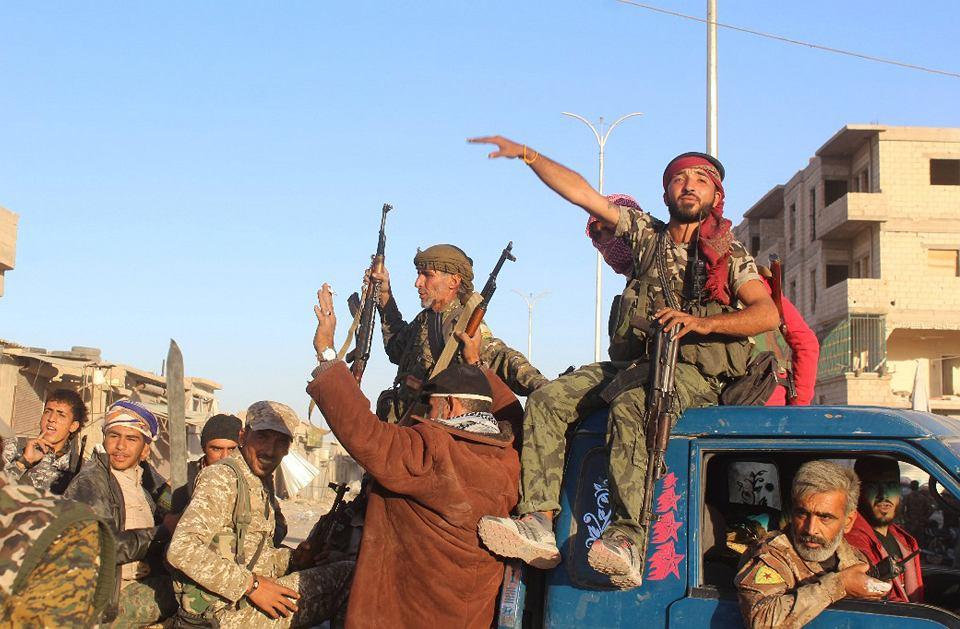 Bojownicy Syryjskich Sił Demokratycznych odbili Rakkę z rąk ISIS, 16 października 2017 r.