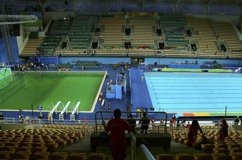 Dwa baseny olimpijskie i dwa kolory wody, fot. Antonio Bronic/Reuters