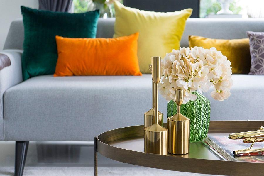 Dekoracyjny wazon w salonie
