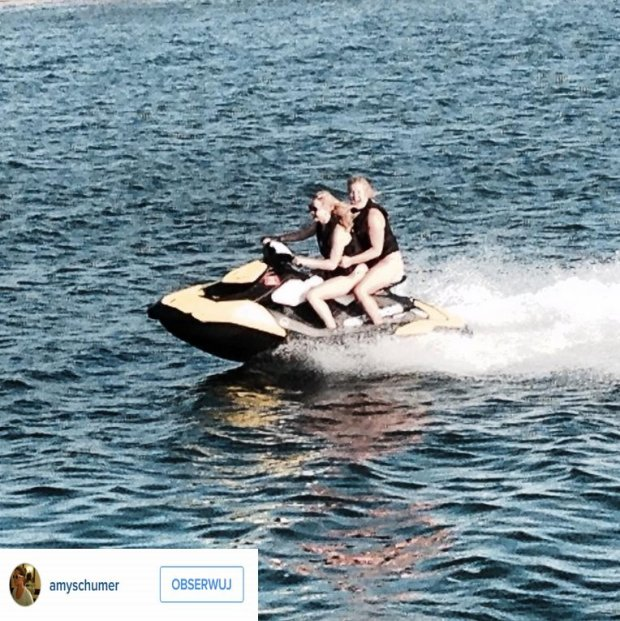 Jennifer Lawrence i Amy Schumer na skuterze wodnym