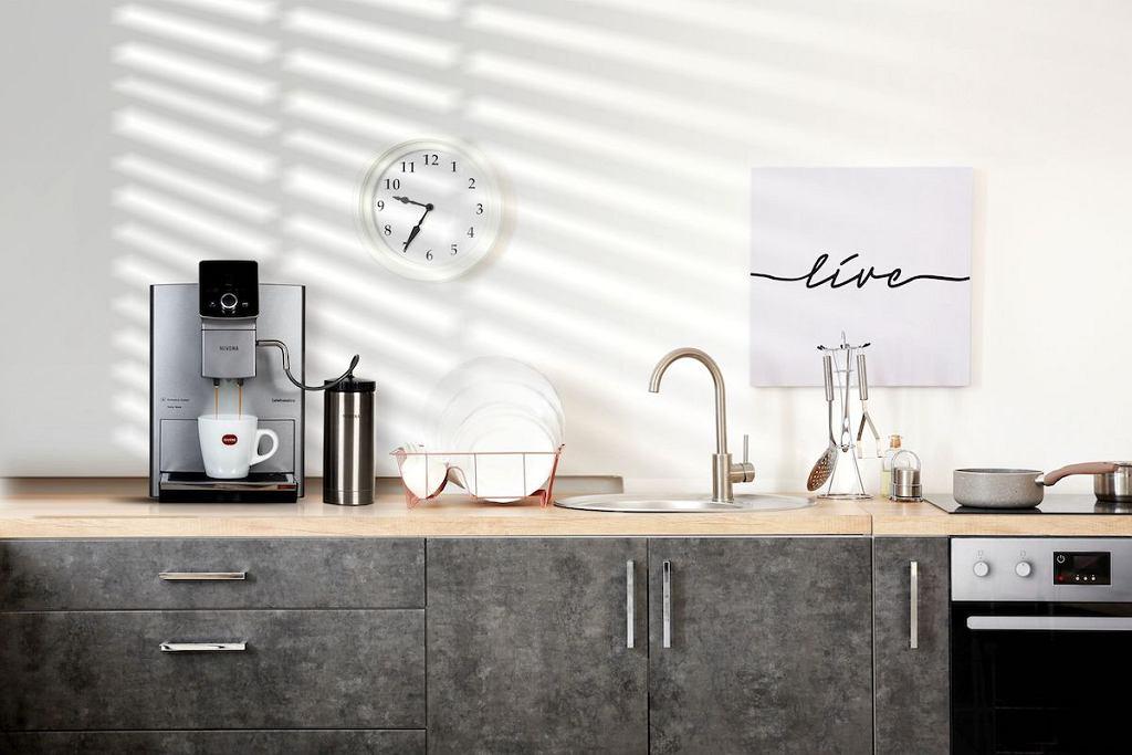 Nivona CafeRomatica 821 o nowoczesnym designie.