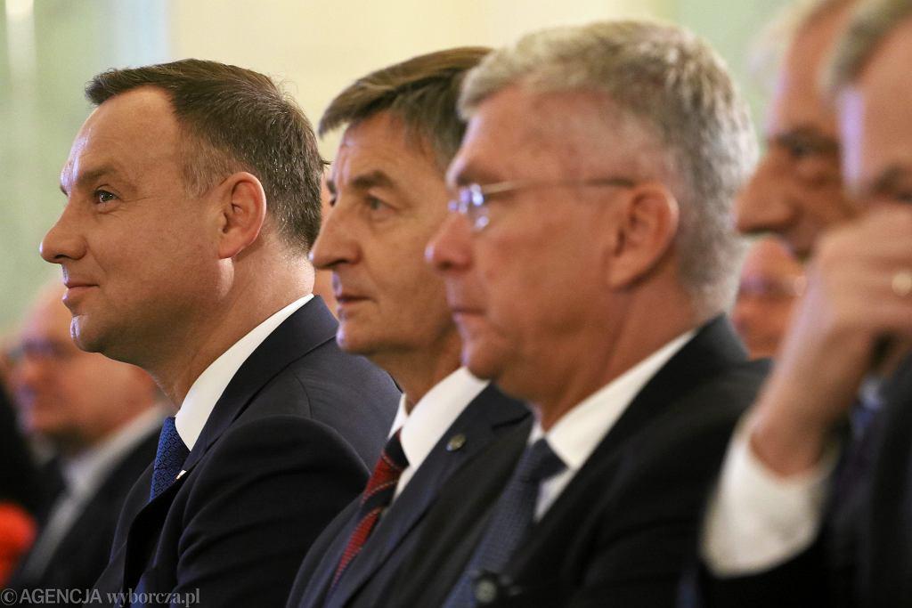 Andrzej Duda i marszałkowie Marek Kuchciński i Stanisław Karczewski