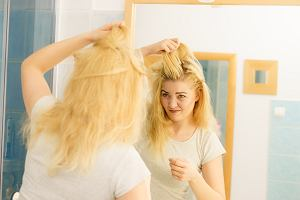 Przetłuszczające się włosy - czy da się z tym coś zrobić? Znamy kilka sprawdzonych sposobów