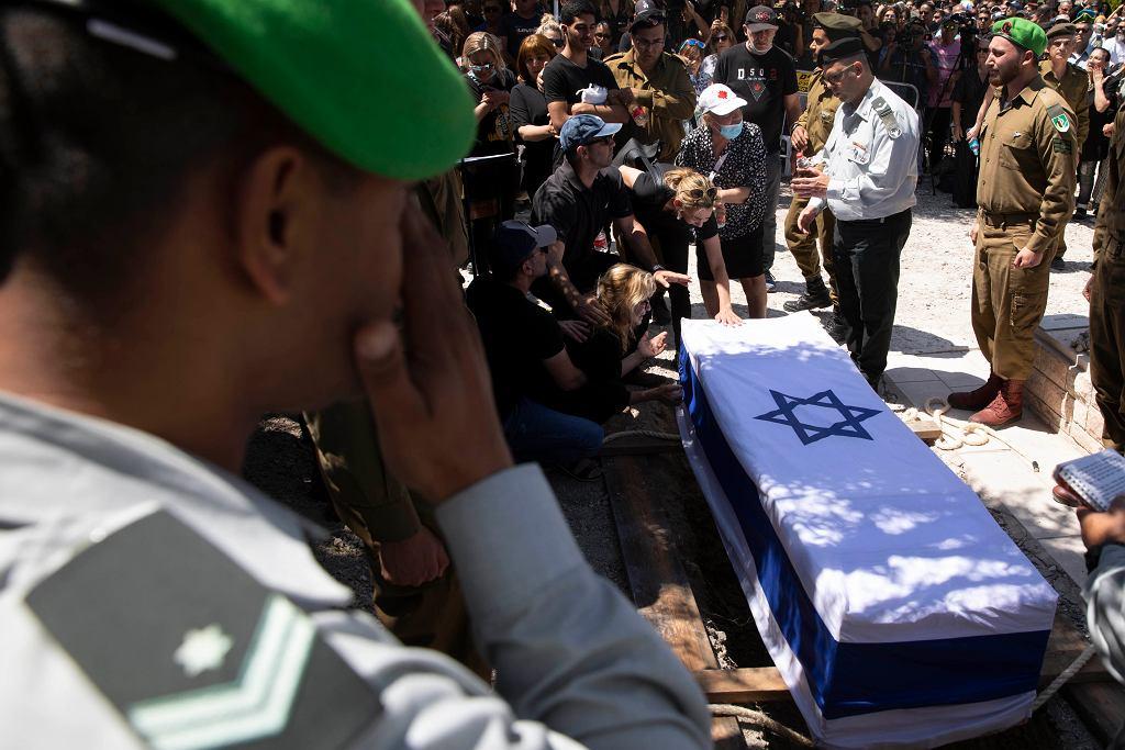 Pogrzeb izraelskiego żołnierza zabitego przez rakietę przeciwpancerną wystrzeloną ze Strefy Gazy