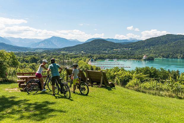 Warto wybrać się na wycieczkę rowerową i podziwiać piękny krajobraz