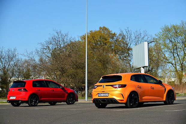 VW Golf GTI TCR vs. Renault Megane RS