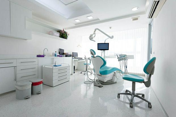 Nie mieszaj... planów leczenia ortodontycznego z zajściem w ciążę