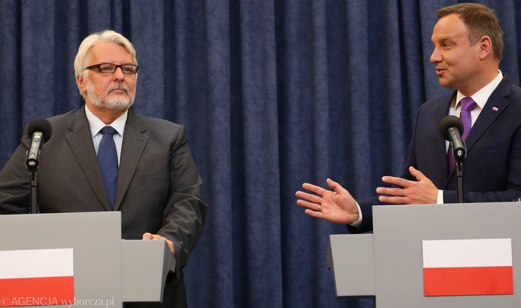 Szef MSZ Witold Waszczykowski na wspólnej konferencji z prezydentem Andrzejem Dudą