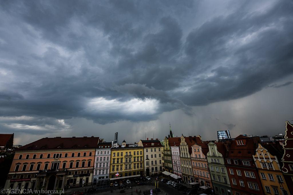 Wrocław. Burza nad miastem