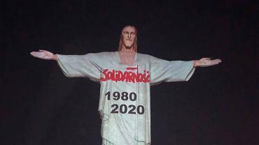 Napis 'Solidarność' na figurze Chrystusa w Rio.