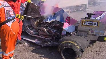 Doszczętnie zniszczony bolid Lance'a Strolla po wypadku podczas GP Toskanii F1
