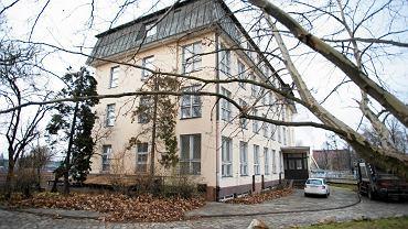 Wyspa Tamka. Dawny budynek Wydziału Farmacji Uniwersytetu Medycznego im. Piastów Śląskich.