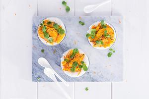 Mus twarogowo-cynamonowy z karmelizowanymi pomarańczami