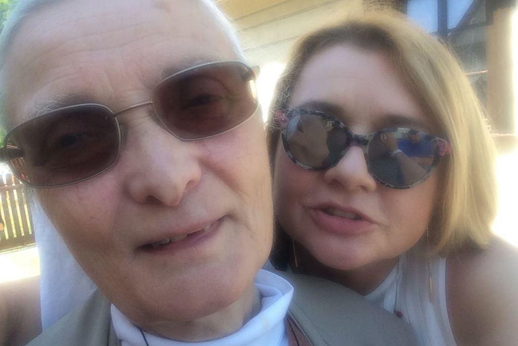 Małgorzata Ostrowska-Królikowska i siostra Małgorzata Chmielewska