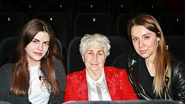 Od lewej: Nina, pani Wiesława, Ola