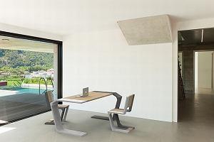 Jak wykorzystać beton architektoniczny w aranżacji salonu? - porady i inspiracje.