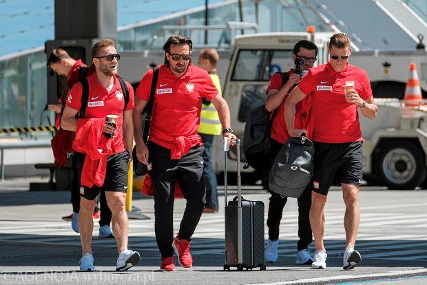 Zdjęcie numer 14 w galerii - W drodze na mundial. Piłkarze reprezentacji Polski lecą z Jasionki na mecz towarzyski z Chile [ZDJĘCIA]
