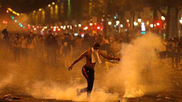 Francja. Zamieszki na ulicach Paryża