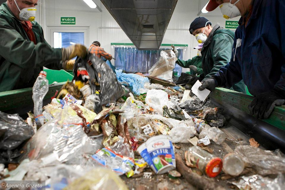 Bielsko-Biała. Sortownia odpadów na terenie Zakładu Gospodarki Odpadami wybudowanym kilka lat temu za prawie 100 mln zł