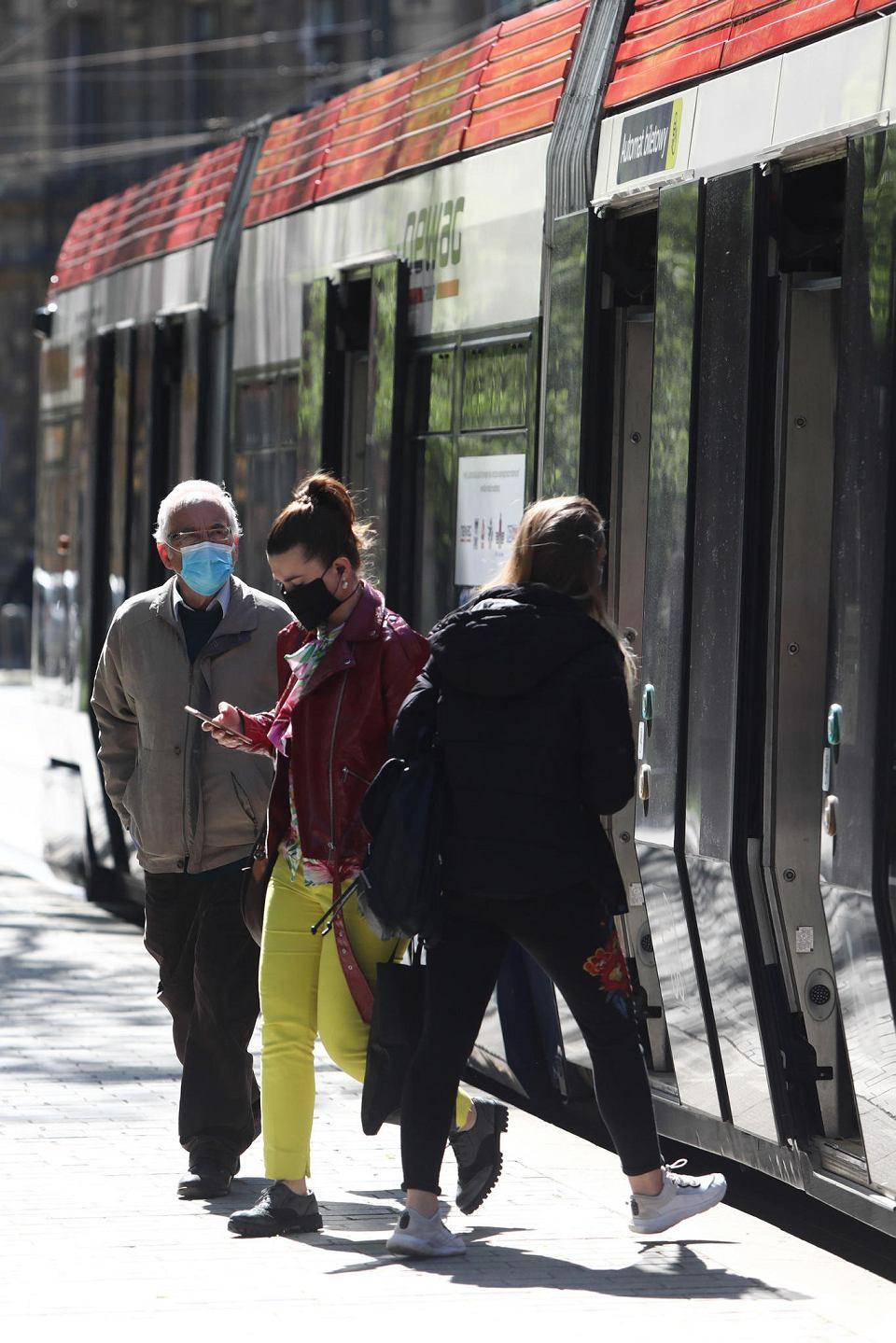 Zdjęcie numer 11 w galerii - Transport nad przepaścią. Tylko szybkie działania uratują resztkę połączeń poza miastami