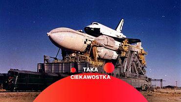 Radziecki prom kosmiczny Buran zamontowany na rakiecie Energia przewożony na stanowisko startowe