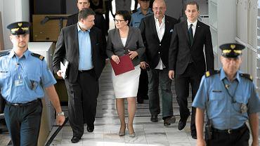 Premier Ewa Kopacz z najbliższymi współpracownikami w piątek w Senacie. Przez dwie godziny radzili,  jak odpowiedzieć na orędzie prezydenta Dudy i wniosek o zwołanie referendum 25 października