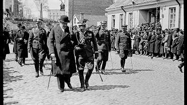 Obchody rocznicy uchwalenia pierwszej europejskiej konstytucji obrazują zwroty w historii Polaków.  Na zdjęciu Białystok, 3 maja 1938 roku.