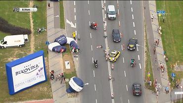 Przewrócony balon na trasie Tour de Pologne