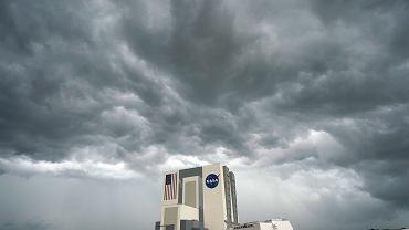 Pogoda pokrzyżowała plany startu rakiety Falcon 9 z załogowym statkiem Crew Dragon