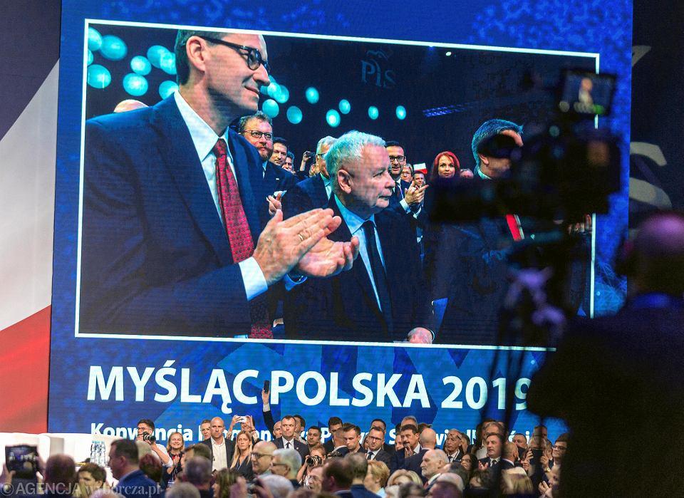 Jaroslaw Kaczynski i  premier Mateusz Morawiecki podczas konwencji PiS  w Katowicach