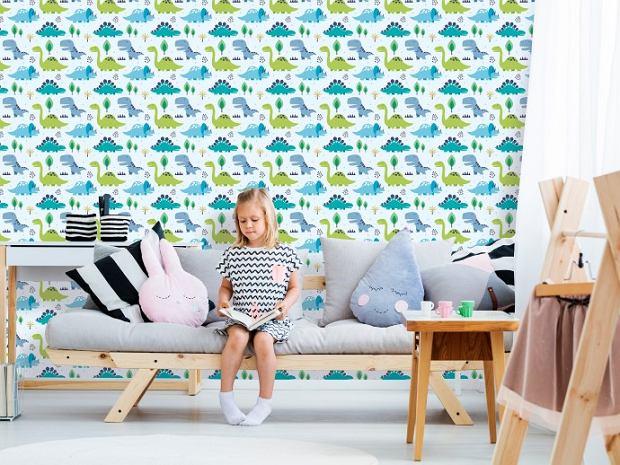 Kolorowa tapeta na flizelinie tworzy miły nastrój w pokoju dziecięcym