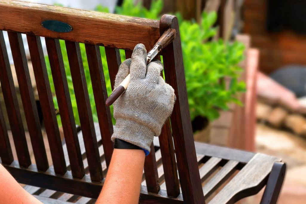 Malowanie mebli ogrodowych