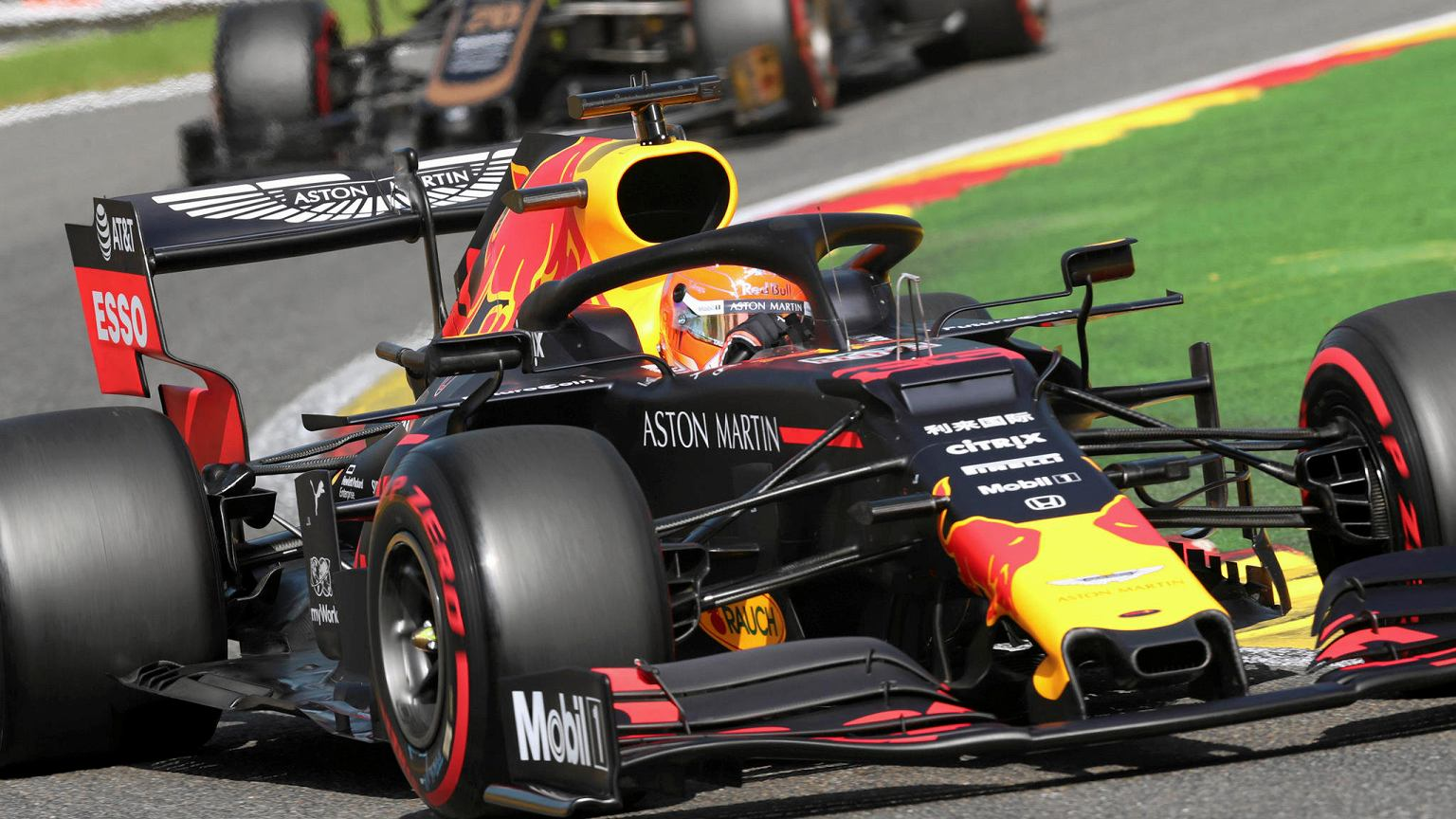 Max Verstappen mierzy się z problemami