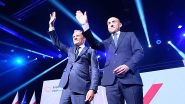 Donald Tusk i Borys Budka podczas Rady Krajowej PO