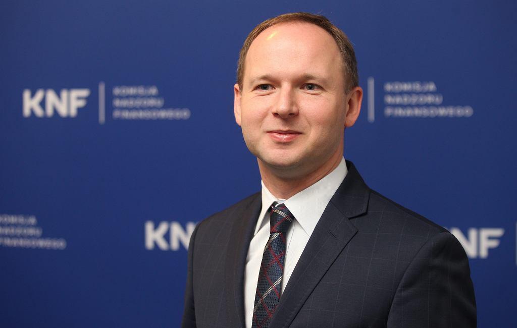 Przewodniczący KNF Marek Chrzanowski podczas briefingu prasowego Komisji Nadzoru Finansowego. Warszawa, 5 stycznia 2018