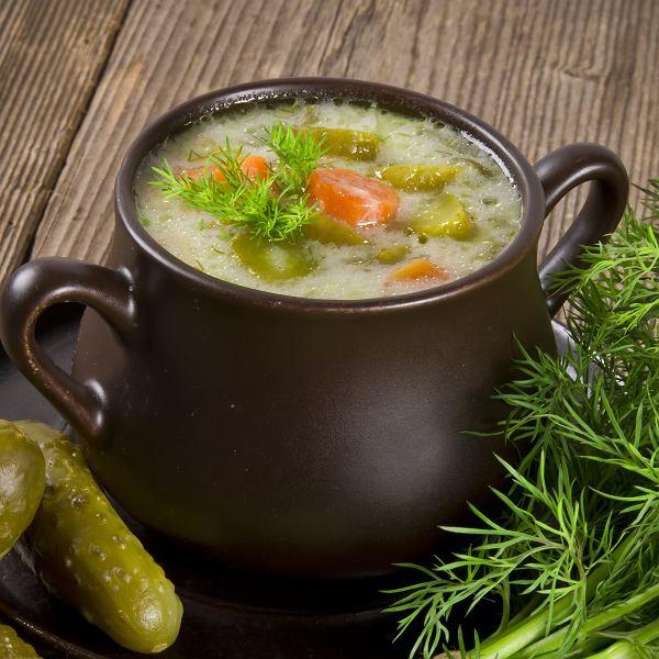 Ogórkowa, pomidora i inne zupy idealne na lato