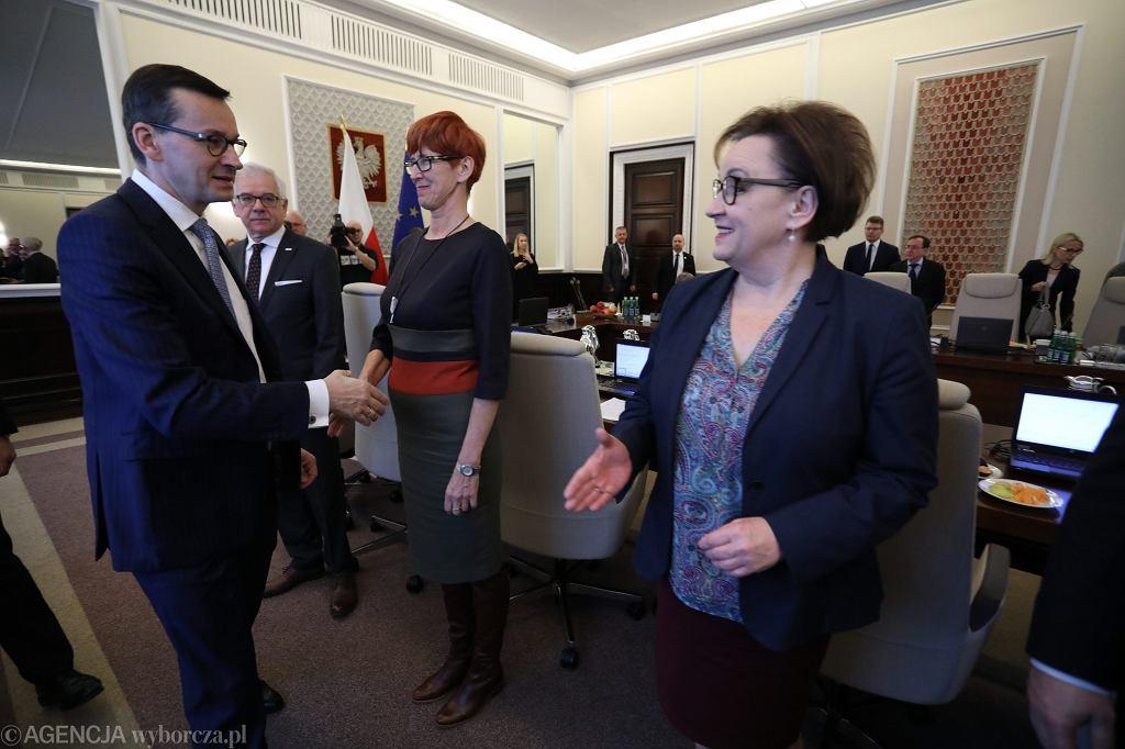 Minister edukacji w rządzie PiS Anna Zalewska podczas posiedzenia rządu, 20 listopada 2018
