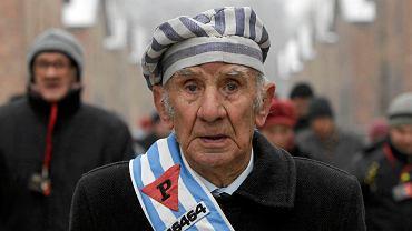 Ocalony z Holokaustu w drodze na ceremonię z okazji 69. rocznicy wyzwolenia Auschwitz