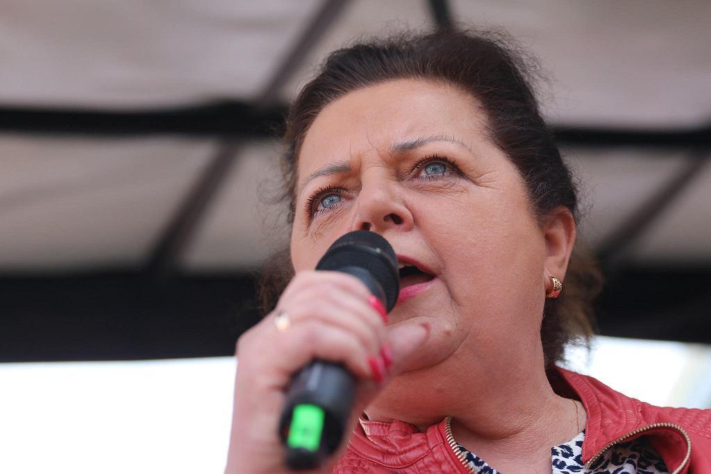 Renata Beger na proteście rolników w Warszawie przeciwko PiS-owskiej 'piątce dla zwierząt' (m.in. zakazowi hodowli zwierząt na futra i zakazowi uboju rytualnego)