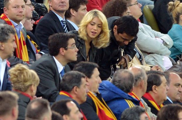 Colombian singer Shakira attends the Euro 2012 championships football match Spain vs Republic of Ireland on June 14, 2012 at the Gdansk Arena.     AFP PHOTO / GABRIEL BOUYS