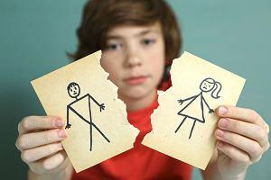 Trudna decyzja o rozwodzie. Jak podzielić majątek, co zrobić z kredytem, jak uzgodnić opiekę nad dziećmi?