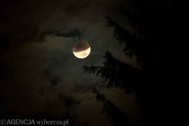 Zaćmienie Księżyca i krwawy Superksiężyc w 2015 roku